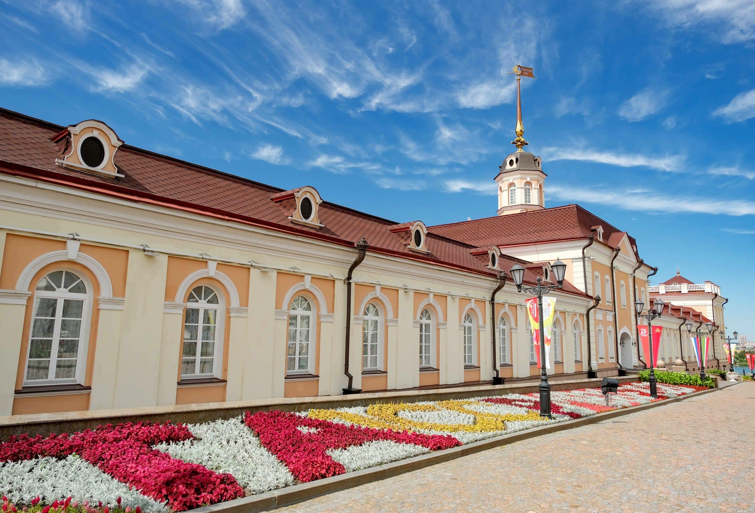черепица катепал на зданиях казанского кремля